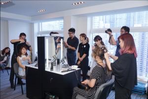 一眾KOL在現場體驗Hairstylist 快速轉型服務
